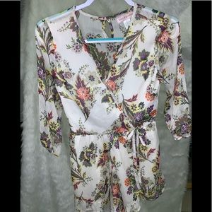 Band of Gypsies Women's Sz. XS Floral Romper